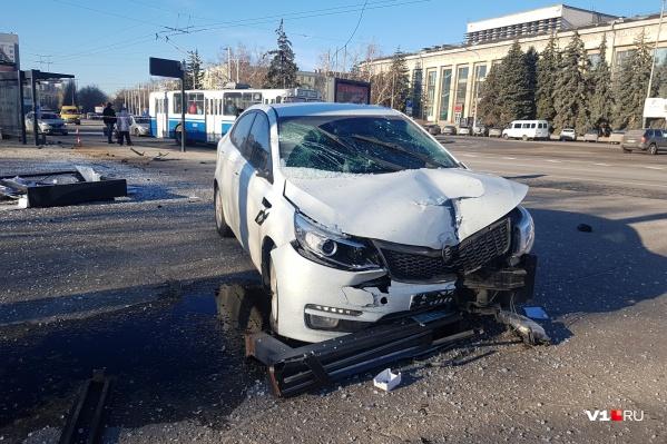 По словам очевидцев, девушка-водитель даже не пыталась тормозить