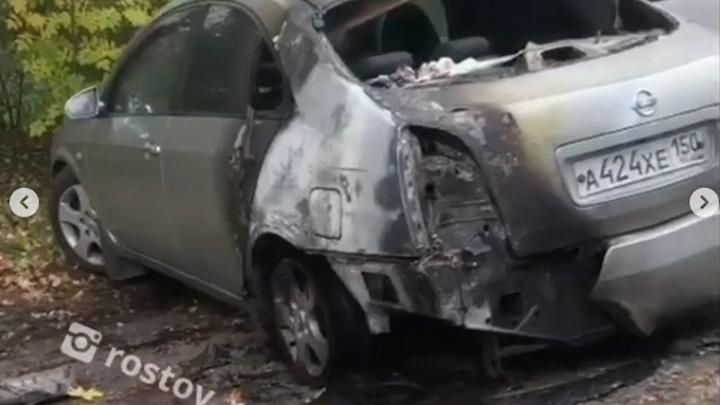 В Ростове пироман за ночь сжег сразу два автомобиля