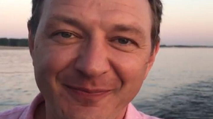 Марат Башаров с песнями прокатился по реке вдоль Волгограда