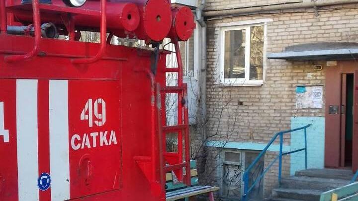Девушка в реанимации: двое жителей пятиэтажки в Челябинской области пострадали из-за хлопка газа