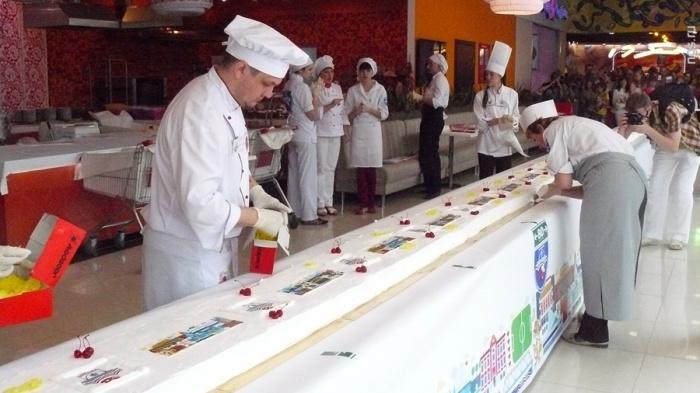 Самое длинное пирожное суфле в стране приготовили в 2013 году в «Сан Сити»