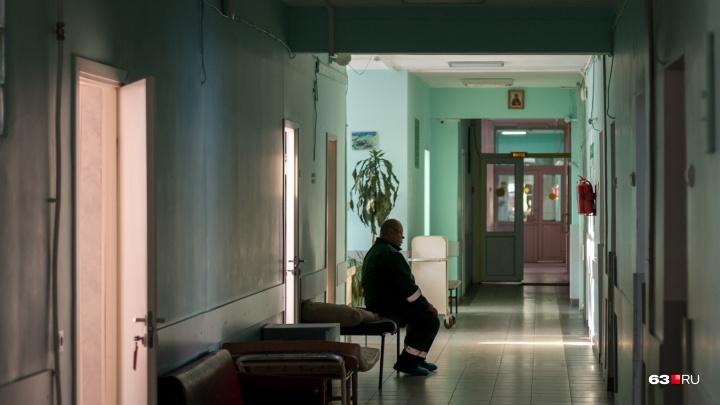 Собирал дань с пенсионеров: в Самарской области главврач отделался условным сроком за мошенничество