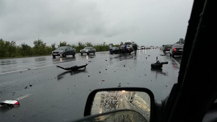 «Один в кювете, остальные — всмятку»: в Самарской области столкнулись четыре автомобиля