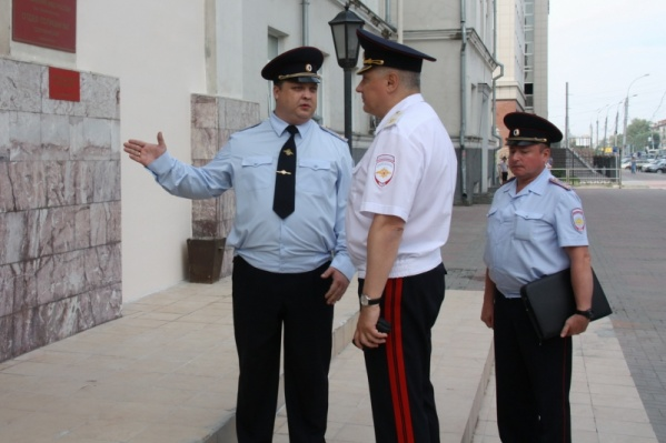 Суд прекратил уголовное преследование Александра Гращенкова (крайний слева), но назначил ему штраф