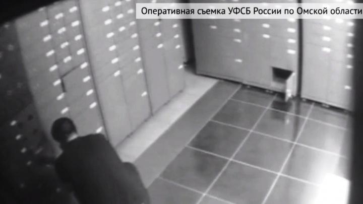 В Омске задержали мужчин, которые пытались обворовать банковское хранилище