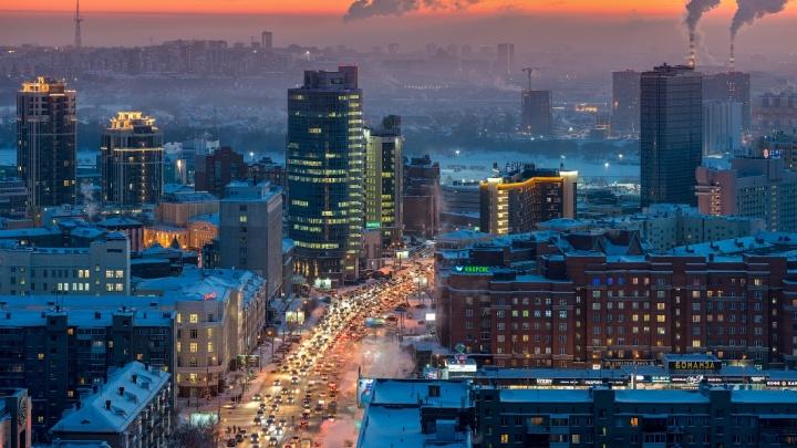 «Сверху смотрится здорово, снизу гораздо хуже»: подборка фото новосибирских пробок, снятых с высоты