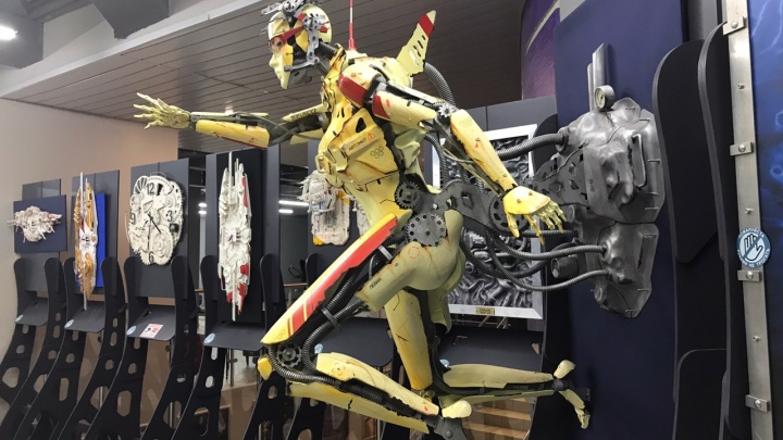 Создатель двухметрового робота «Протона» решил открыть собственную мастерскую