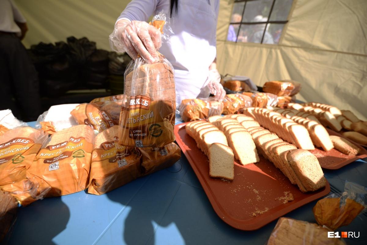 К окрошке полагался бесплатный хлеб