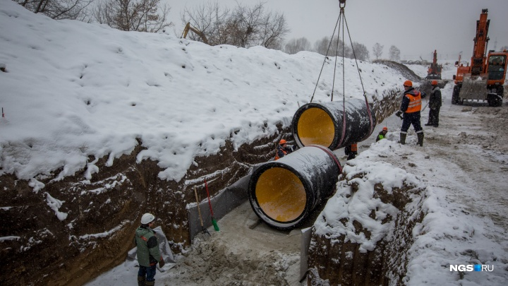 Семь фото со стройки нового ЛДС в Новосибирске — показываем трубы, в которые вложат 1,4 миллиарда