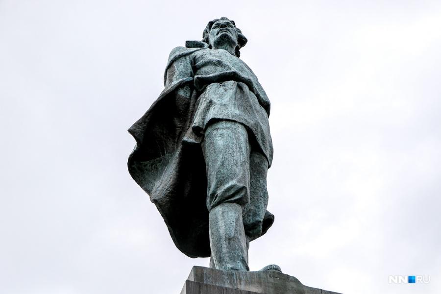 Предприниматели нехотят реставрировать монумент Максиму Горькому вНижнем Новгороде