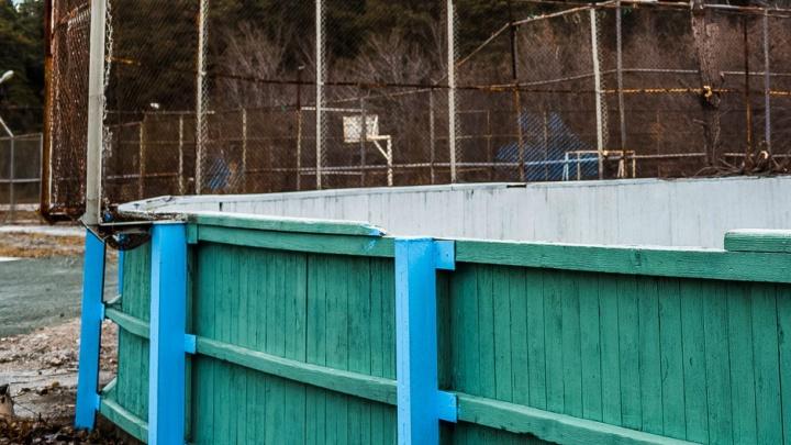 Падение хоккейных ворот на первоклассника в Челябинской области переросло в уголовное дело