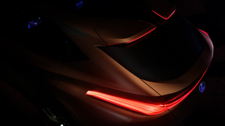 Lexus показал новый кроссовер в стиле BMW X6