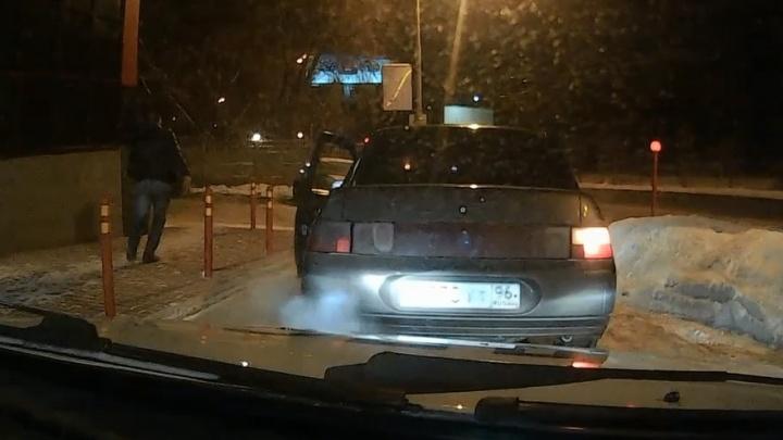 Инспекторы ГИБДД Екатеринбурга 23 февраля устроили погоню за пьяным водителем