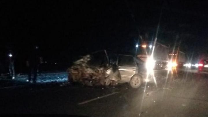 Смертельный обгон: водитель «Лады» погиб в ДТП с двумя встречными машинами на трассе