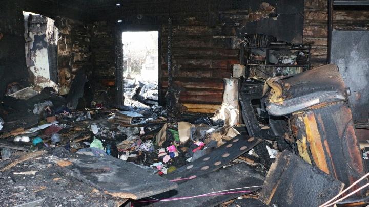 Родители оставили ребенка одного: в Прикамье при пожаре погиб двухлетний мальчик