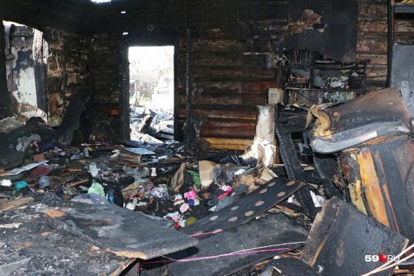 Сейчас эксперты выясняют причину пожара