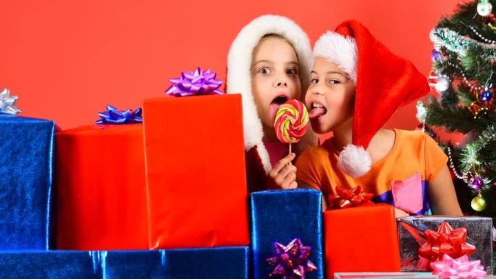 Какие сладости обрадуют ребёнка, угодят взрослому, станут хорошим подарком и даже украсят ёлку