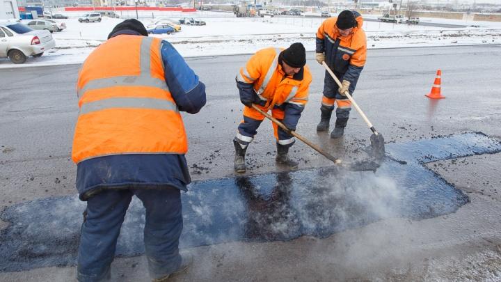 Копать, таскать и мыть: безработных волгоградцев привлекут к общественным работам