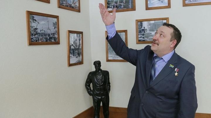 Украинская генпрокуратура объявила в розыск директора парка Маяковского
