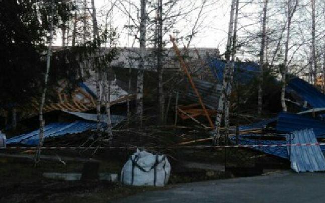 Спасатели подвели итоги: из-за урагана в Башкирии повреждены крыши 17 домов