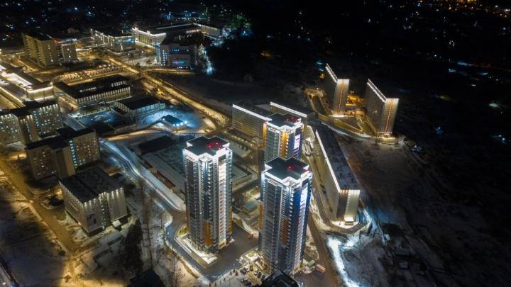 В СФУ с высоты показали архитектурную подсветку деревни Универсиады