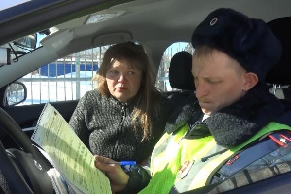 Женщина была сильно недовольна, что ее остановили автоинспекторы