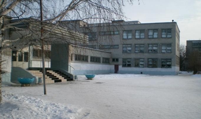Мэрия Кургана расторгла контракт с москвичами, которые ремонтировали школу № 11