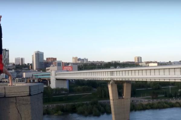 Денис Кривцов на Октябрьском мосту