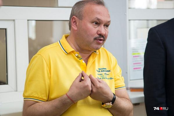 Рустам Тимуршин одновременно трудился заместителем директора в муниципальном автобусном предприятии и возглавлял частного перевозчика