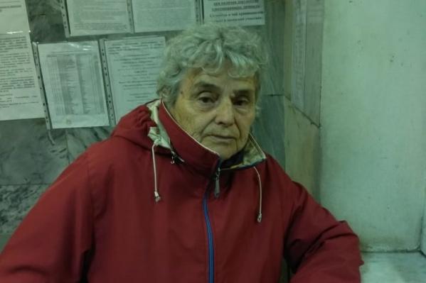 Бабушка выглядит очень ухоженной