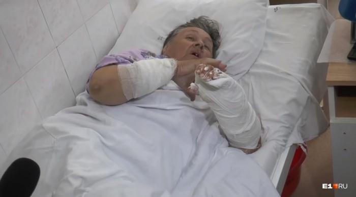 «Пока жива, хочу отблагодарить», — сказала бабушка. Она ищет человека, который отогнал от нее разъяренную собаку