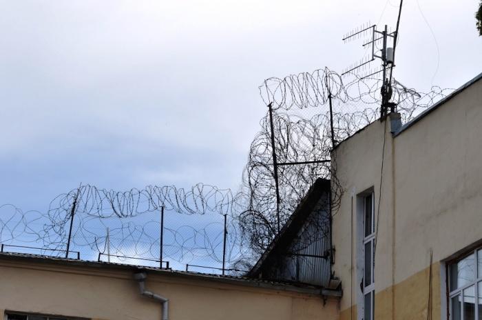 По данным правозащитника, тяжелобольным заключенным до последнего момента не оказывали помощь