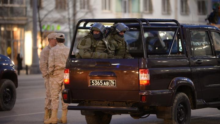 Центр Екатеринбурга перекрыла военная техника, участвующая в репетиции парада Победы