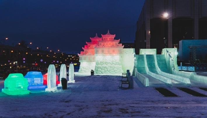 Ледовый городок у Театра-Театра возобновил работу после оттепели