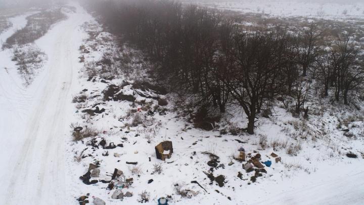 Венки возложат на горы мусора: мемориал «Лысая гора» снова превратился в огромную свалку