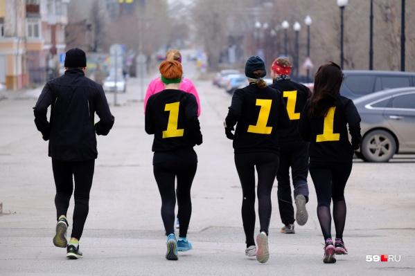 Видели таких бегунов на улице? Они из «Первого Пермского бегового»