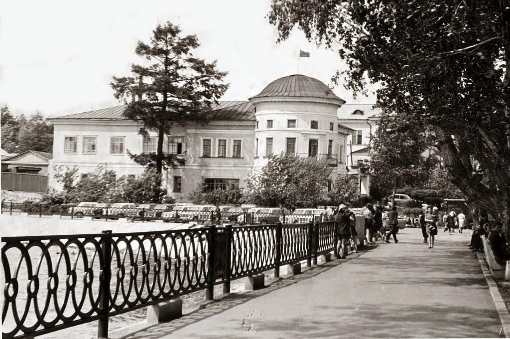 Господский дом в 1980-е годы