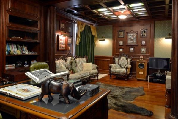 Фотография кабинета выглядит, как картинка