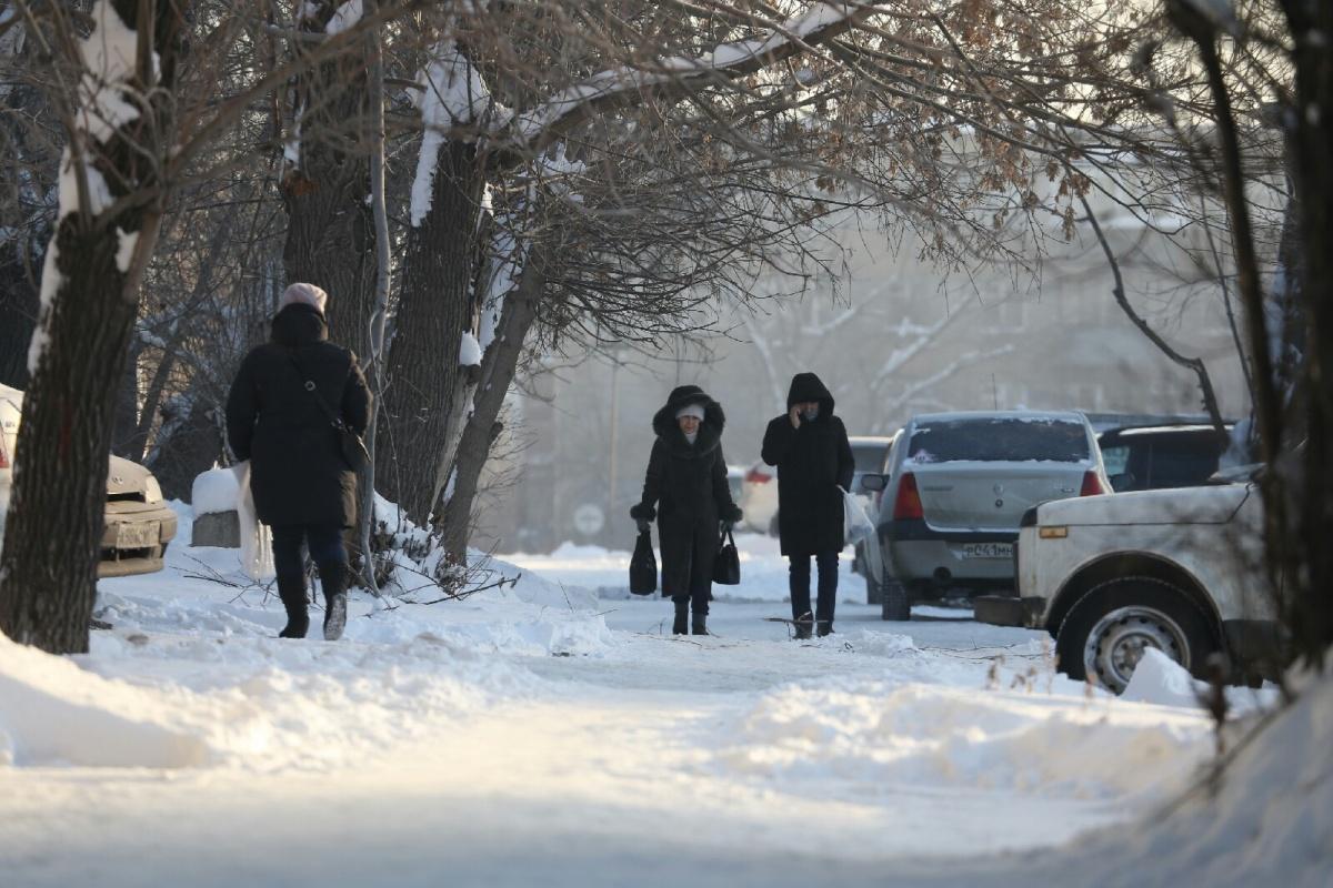 За три дня в Челябинске с обморожениями и переохлаждениями в больницы попали 15 взрослых и один ребёнок