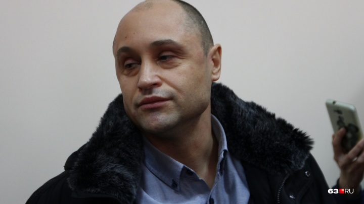 Экс-главу Октябрьского района отказались наказывать уголовно за стрельбу по собакам