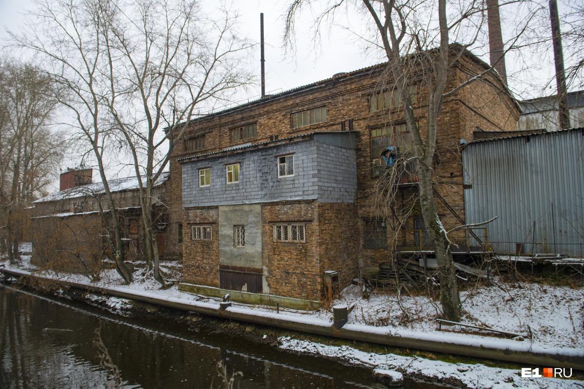 Это здание было построено уже в советские годы