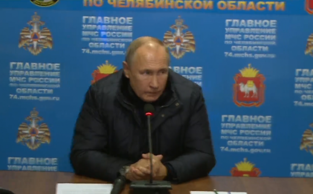 Путин поинтересовался, сколько людей было прописано в квартирах