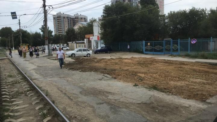 Фотофакт: в Волгограде появилась и вдруг исчезла новая остановка на Ангарском