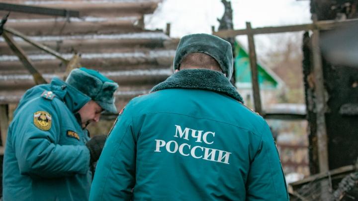 Смертельная неосторожность: в Ростовской области в пожаре погиб мужчина