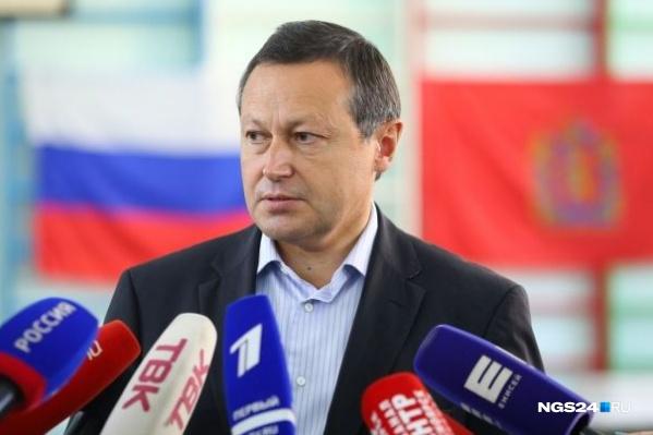 До 2017 года Акбулатов был мэром Красноярска