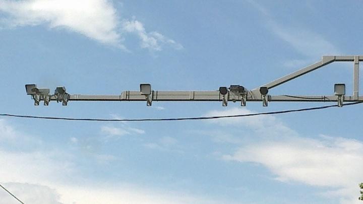 На мосту 60-летия ВЛКСМ омичей начали штрафовать с помощью интеллектуальных камер