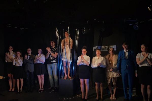 Молодые артисты рады бы показать своё творчество москвичам, но не на что