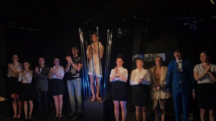 Екатеринбургский театр отменил спектакли в Москве, потому что у него нет денег