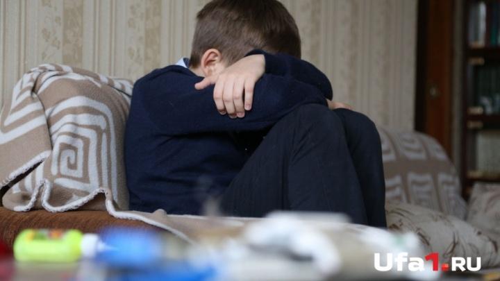 «Ударила сына по голове»: мама третьеклассника из Уфы обвиняет в побоях учителя