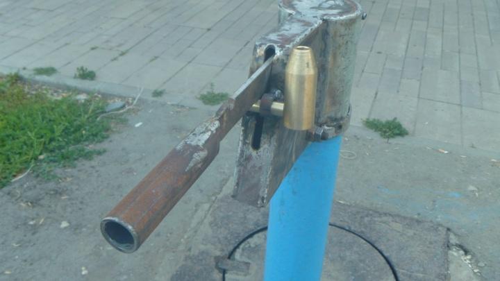 Блок на воду: в Самаре коммунальные службы закрыли колонку на замок